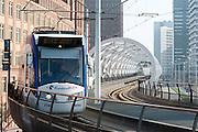 Randstadrail, openbaar vervoer verbinding tussen Den Haag en Zoetermeer bij het de Beatrixlaan , Den Haag, Zuid-Holland - Randstadrail, a public transport connection between The Hague and Zoetermeer, The Hague , Netherlands
