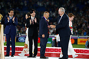 England head coach Eddie Jones and World Rugby president Bill Beaumont during the medals ceremony at the World Cup Japan 2019, Final rugby union match between England and South Africa on November 2, 2019 at International Stadium Yokohama in Yokohama, Japan - Photo Yuya Nagase / Photo Kishimoto / ProSportsImages / DPPI
