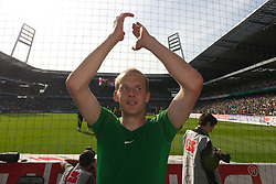 07.05.2011, Weserstadion, Bremen, GER, 1.FBL, Werder Bremen vs Borussia Dortmund, im Bild Petri Pasanen ( Werder #03 ) Abschied    EXPA Pictures © 2011, PhotoCredit: EXPA/ nph/  Kokenge       ****** out of GER / SWE / CRO  / BEL ******