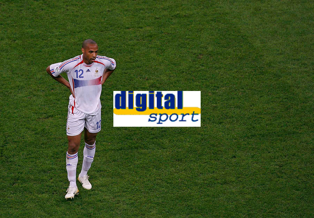 Photo: Glyn Thomas.<br />Portugal v France. Semi Final, FIFA World Cup 2006. 05/07/2006.<br /> France's Thierry Henry.