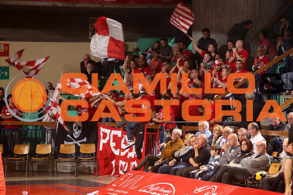 DESCRIZIONE : Reggio Emilia Lega A 2014-15 Grissin Bon Reggio Emilia Consultinvest Pesaro<br /> GIOCATORE : tifosi Consultinvest Pesaro<br /> CATEGORIA : tifosi<br /> SQUADRA : Consultinvest Pesaro<br /> EVENTO : Campionato Lega A 2014-2015<br /> GARA : Grissin Bon Reggio Emilia Consultinvest Pesaro<br /> DATA : 01/11/2014<br /> SPORT : Pallacanestro <br /> AUTORE : Agenzia Ciamillo-Castoria/E.Rossi<br /> Galleria : Lega Basket A 2014-2015 <br /> Fotonotizia : Reggio Emilia Lega A 2014-15 Grissin Bon Reggio Emilia Consultinvest Pesaro