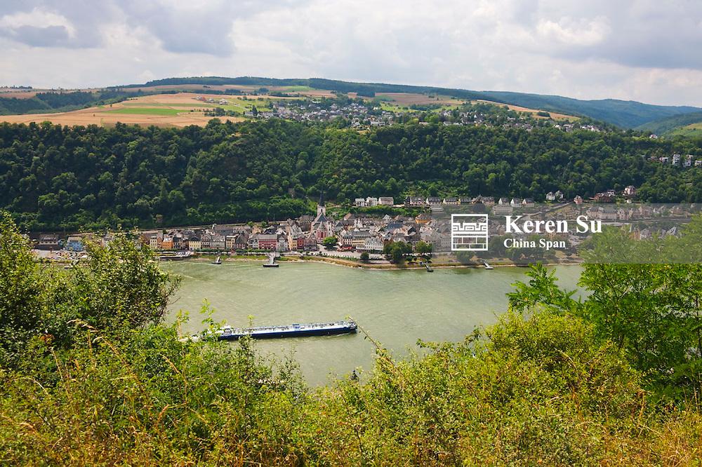 Scenery along river Rhine, Upper Middle Rhine Valley (UNESCO World Heritage site), St. Goar, Germany