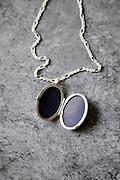open empty portrait medallion jewelry,