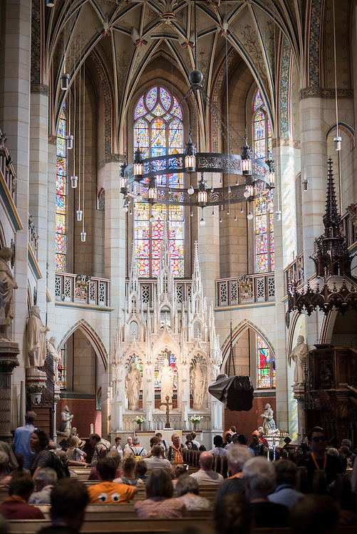 """28 May 2017, Wittenberg, Germany: On 28 May, students of the Global Ecumenical Theological Institute 2017 (GETI'17) joined tens of thousands of Christians in attending the closing service of Kirchentag (""""Church Festival"""") in Wittenberg, the place where the Reformation began 500 years ago. Here, the Castle Church where Luther famously nailed his 95 theses to the wall, thus starting the process of the Reformation. Meeting in Berlin on 19 May - 1 June 2017, the Global Ecumenical Theological Institute 2017 (GETI'17) gathers young Christian theologians from Europe and around the world to study and experience horizons of an ecumenical theology and ecclesiology. GETI'17 is organized under the patronage of the Conference of European Churches, and works under three key themes: Reforming Theology, Migrating Church, and Transforming Society."""