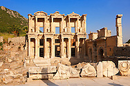 Photo & picture of The library of Celsus. Images of the Roman ruins of Ephasus, Turkey. Stock Picture & Photo art prints 3 .<br /> <br /> If you prefer to buy from our ALAMY PHOTO LIBRARY  Collection visit : https://www.alamy.com/portfolio/paul-williams-funkystock/ephesus-celsus-library-turkey.html<br /> <br /> Visit our TURKEY PHOTO COLLECTIONS for more photos to download or buy as wall art prints https://funkystock.photoshelter.com/gallery-collection/3f-Pictures-of-Turkey-Turkey-Photos-Images-Fotos/C0000U.hJWkZxAbg