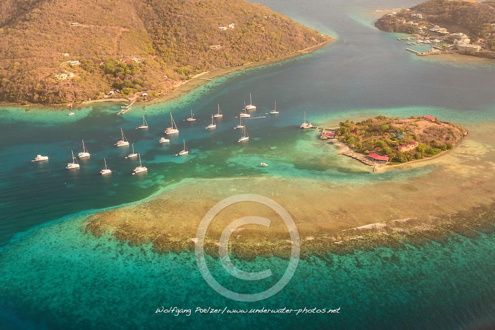 Lagune der Insel Tortola mit Segelbooten, Lagoon of Tortola Island with sailing boats, British Virgin Islands, Britische Jungferninsel, Karibik, Karibisches Meer, British Virgin Islands, BVI, Caribbean Sea