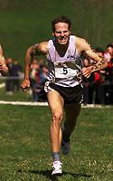 Friidrett. NM terrengløp 2002. Osterøy. 13.04.2002.<br /> Odd Morten Brekke fra Staal. Nummer to 2 km junior.<br /> Foto: Chris Kyllingmark, Digitalsport