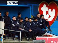 Fotball<br /> Premier League 2004/05<br /> Portsmouth v Chelsea<br /> 28. desember 2004<br /> Foto: Digitalsport<br /> NORWAY ONLY<br /> Jose Mourinho scribbles notes during the game