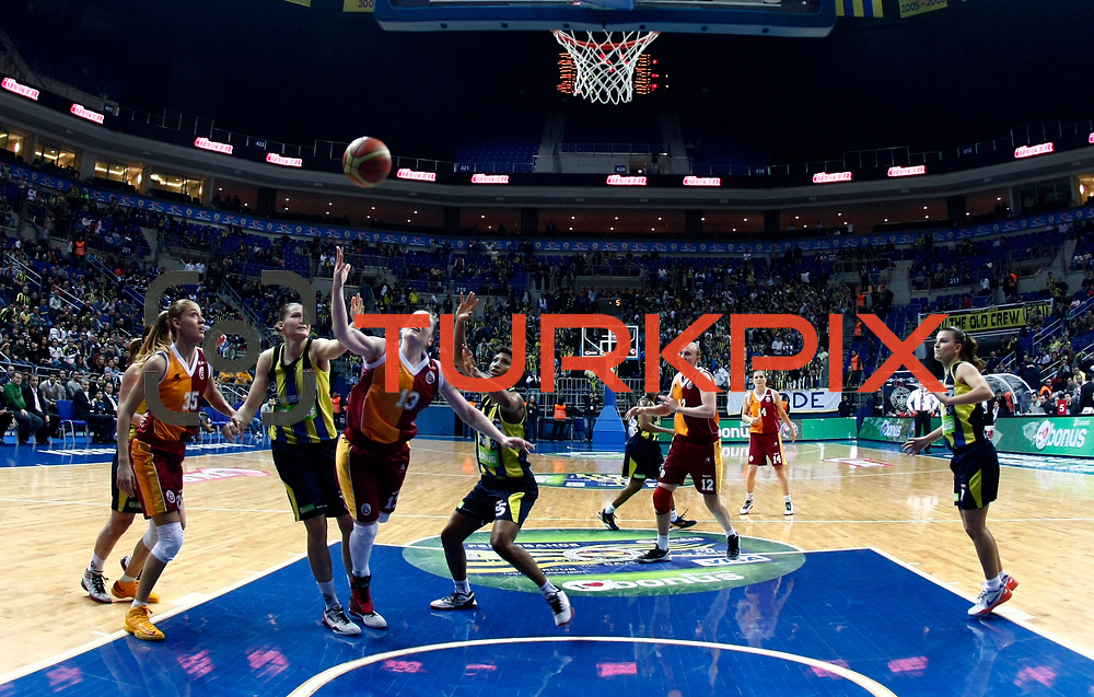 Fenerbahce's Angel MCoughtry (C) and Galatasaray's Lindsay Whalen (3ndL) during their Turkish Basketball woman league derby match Fenerbahce between Galatasaray at Ulker Sports Arena in Istanbul, Turkey, wednesday, December 26, 2012. Photo by Aykut AKICI/TURKPIX