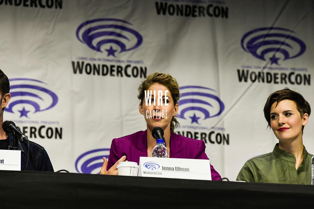 Jenna Elfman at Wondercon in Anaheim Ca. March 31, 2019