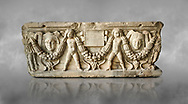 Roman relief sculpted garland sarcophagus with cherubs, 3rd century AD. Adana Archaeology Museum, Turkey .<br /> <br /> If you prefer to buy from our ALAMY STOCK LIBRARY page at https://www.alamy.com/portfolio/paul-williams-funkystock/greco-roman-sculptures.html . Type -    Adana     - into LOWER SEARCH WITHIN GALLERY box - Refine search by adding a subject, place, background colour, museum etc.<br /> <br /> Visit our ROMAN WORLD PHOTO COLLECTIONS for more photos to download or buy as wall art prints https://funkystock.photoshelter.com/gallery-collection/The-Romans-Art-Artefacts-Antiquities-Historic-Sites-Pictures-Images/C0000r2uLJJo9_s0