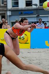 06-06-2010 VOLLEYBAL: JIBA GRAND SLAM BEACHVOLLEYBAL: AMSTERDAM<br /> In een koninklijke ambiance streden de nationale top, zowel de dames als de heren, om de eerste Grand Slam titel van het seizoen bij de Jiba Eredivisie Beach Volleyball - Inge Boersma<br /> ©2010-WWW.FOTOHOOGENDOORN.NL