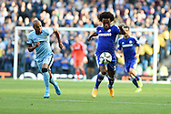 Willian of Chelsea breaks away from Man city's Fernandhino . Barclays premier league match, Manchester city v Chelsea at the Etihad stadium in Manchester,Lancs on Sunday 21st Sept 2014<br /> pic by Andrew Orchard, Andrew Orchard sports photography.