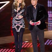NLD/Hilversum/20151211 - 2e Liveshow The Voice of Holland, TVOH, Wendy van Dijk en Martijn Krabbe