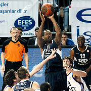 Efes Pilsen's Bootsy THORNTON (C) and Flip MURRAY (R) during their Turkish Airlines Euroleague Basketball Top 16 Group G Game 4 match Efes Pilsen between Real Madrid at Sinan Erdem Arena in Istanbul, Turkey, Thursday, February 17, 2011. Photo by TURKPIX