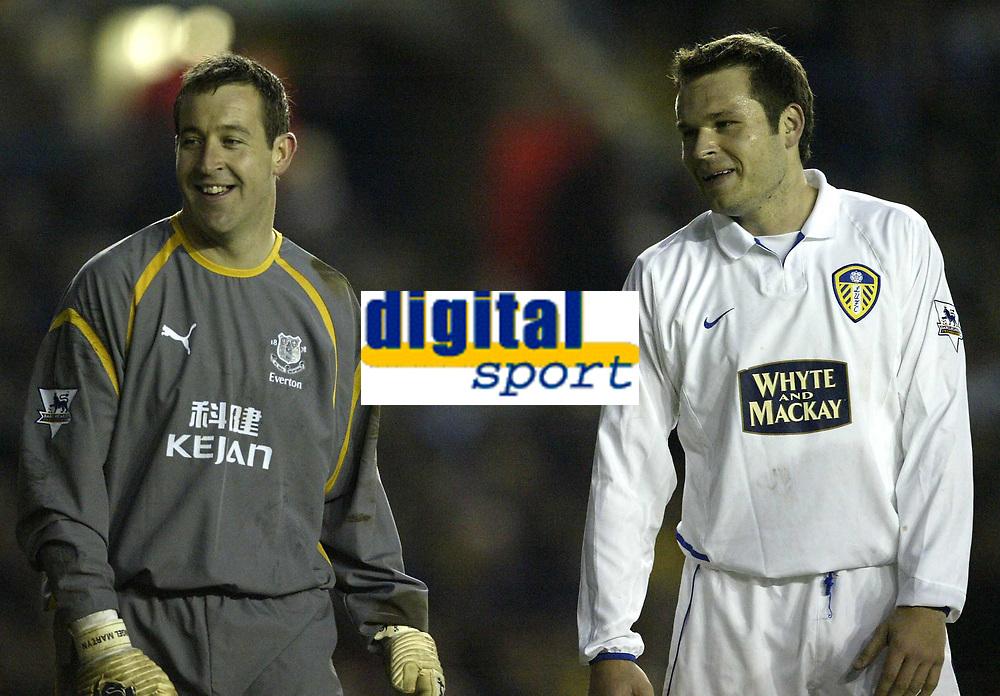 Photo. Aidan Ellis.Digitalsport<br /> Leeds United v Everton.<br /> FA Barclaycard Premiership.<br /> 13/04/2004.<br /> Ex Leeds Keeper Nigel Martyn shares a joke with Leeds Mark Viduka