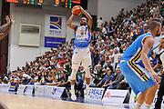 DESCRIZIONE : Beko Legabasket Serie A 2015- 2016 Dinamo Banco di Sardegna Sassari -Vanoli Cremona<br /> GIOCATORE : MarQuez Haynes<br /> CATEGORIA : Tiro Tre Punti Three Point<br /> SQUADRA : Dinamo Banco di Sardegna Sassari<br /> EVENTO : Beko Legabasket Serie A 2015-2016<br /> GARA : Dinamo Banco di Sardegna Sassari - Vanoli Cremona<br /> DATA : 04/10/2015<br /> SPORT : Pallacanestro <br /> AUTORE : Agenzia Ciamillo-Castoria/C.Atzori
