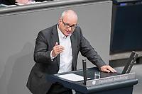 08 NOV 2018, BERLIN/GERMANY:<br /> Matthias W. Birkenwald, MdB, Die Linke, haelt eine Rede, Bundestagsdebatte zum Gesetzentwurf der Bundesregierung ueber Leistungsverbesserungen und Stabilisierung in der gesetzlichen Rentenversicherung, Plenum, Deutscher Bundestag<br /> IMAGE: 20181108-01-010<br /> KEYWORDS: Sitzung