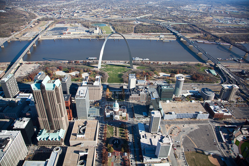 Jefferson National Expansion Memorial, St. Louis<br /> <br /> designed by Michael Van Valkenburgh Associates