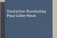 25 SEP 2002, BERLIN/GERMANY:<br /> Eingangsschild Deutscher Bundestag - Paul-Loebe-Haus<br /> IMAGE: 20020925-01-001<br /> KEYWORDS: Schild, sign