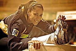 A ponteira da Seleção Brasileira Feminina de Vôlei, Jaqueline durante alongamento antes da partida contra a equipe do Japão, pelo Grand Prix de Vôlei, em São Carlos / SP. FOTO: Jefferson Bernardes/Preview.com