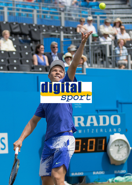 Tennis - 2017 Aegon Championships [Queen's Club Championship] - Day Four, Thursday <br /> <br /> Men's Singles: Round of 16 - Marin Cilic (CRO) Vs Stefan Kozlov (USA)<br /> <br /> Stefan Kozlov (USA) serves on the centre court at Queens Club<br /> <br /> COLORSPORT/DANIEL BEARHAM