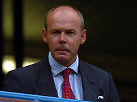 Fotball<br /> Foto: SBI/Digitalsport<br /> NORWAY ONLY<br /> <br /> Date: 28/08/2004<br /> <br /> Chelsea v Southampton FA Barclays Premiership<br /> <br /> Sir Clive Woodward at todays game