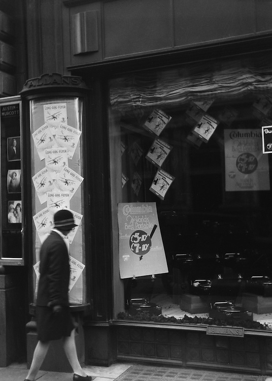 Display of the Lone Girl flyer, Melbourne, Australia, 1930