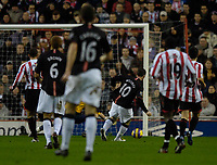 Photo: Jed Wee/Sportsbeat Images.<br /> Sunderland v Manchester United. The FA Barclays Premiership. 26/12/2007.<br /> <br /> Manchester United's Wayne Rooney strikes to open the scoring.
