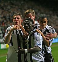 Photo: Andrew Unwin.<br /> Newcastle United v Watford. The Barclays Premiership. 16/12/2006.<br /> Newcastle celebrate Obafemi Martins' goal.