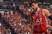 DESCRIZIONE :  Lega A 2014-15  EA7 Milano -Banco di Sardegna Sassari playoff Semifinale gara 7<br /> GIOCATORE : Gentile Alessandro<br /> CATEGORIA : Low Delusione Mani <br /> SQUADRA : EA7 Milano<br /> EVENTO : PlayOff Semifinale gara 7<br /> GARA : EA7 Milano - Banco di Sardegna Sassari PlayOff Semifinale Gara 7<br /> DATA : 10/06/2015 <br /> SPORT : Pallacanestro <br /> AUTORE : Agenzia Ciamillo-Castoria/Richard Morgano<br /> Galleria : Lega Basket A 2014-2015 Fotonotizia : Milano Lega A 2014-15  EA7 Milano - Banco di Sardegna Sassari playoff Semifinale  gara 7<br /> Predefinita :