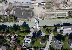 THEMENBILD - Neue Brücke über die Drau. Im Zuge des umfassenden Bahnhofsumbaus in Lienz bildet die Brücke künftig die Zufahrt von Süden aus zum Bahnhof mit Park+Ride-Anlage und Radzentrum sowie Radverlade-Bahnsteig. Aufgenommen am Dienstag 3. September 2019 in Lienz. EXPA Pictures © 2019, PhotoCredit: EXPA/ Johann Groder