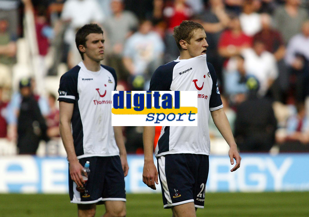 Photo: Chris Ratcliffe.<br /> West Ham United v Tottenham Hotspur. The Barclays Premiership. 07/05/2006.<br /> Ex West Ham player Michael Carrick and Michael Dawson cannot hide their disappointment at not making the Champions League.