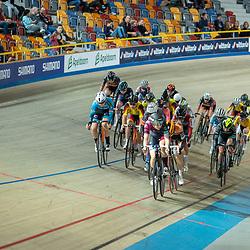 22-12-2019: Wielrennen: NK Baan Omnium: Apeldoorn<br />actiebeeld peloton vrouwen NK Omnium