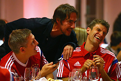 "17.05.2014, T Com, Berlin, GER, DFB Pokal, Bayern Muenchen Pokalfeier, im Bild Bastian Schweinsteiger (L) of Bayern Muenchen celebrates with his team mate Thomas Mueller (R) and Thomas Hayo Bastian Schweinsteiger, Thomas Mueller, Thomas Hayo, // during the FC Bayern Munich ""DFB Pokal"" Championsparty at the T Com in Berlin, Germany on 2014/05/17. EXPA Pictures © 2014, PhotoCredit: EXPA/ Eibner-Pressefoto/ EIBNER<br /> <br /> *****ATTENTION - OUT of GER*****"
