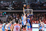 Palla a due, GRISSIN BON REGGIO EMILIA vs VANOLI CREMONA, Campionato Lega Basket Serie A 2017/2018, recupero 23° giornata, PalaBigi Reggio Emilia 18 aprile 2018 - FOTO Bertani/Ciamillo