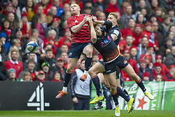 March 30, 2019 - Edinburgh, Scotland, United Kingdom - Keith Earls of Munster jumps for the ball with Henry Pyrgos of Edinburgh during the Heineken Champions Cup Quarter Final match between Edinburgh Rugby and Munster Rugby at Murrayfield Stadium in Edinburgh, Scotland, United Kingdom on March 30, 2019  (Credit Image: © Andrew Surma/NurPhoto via ZUMA Press)