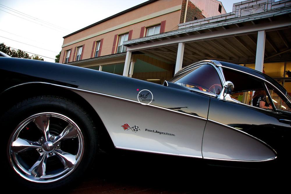 Classic Corvette Black n Silver