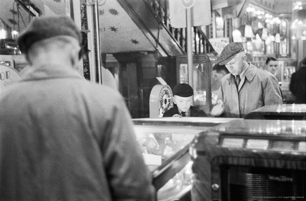 Amusement Arcade, London, c.1935
