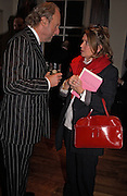 ED VICTOR AND VICTORIA MATHER, Party to celebrate the publication of 'Rita's Culinary Trickery' by Rita Konig. Morton's. 18 November 2004.  ONE TIME USE ONLY - DO NOT ARCHIVE  © Copyright Photograph by Dafydd Jones 66 Stockwell Park Rd. London SW9 0DA Tel 020 7733 0108 www.dafjones.com