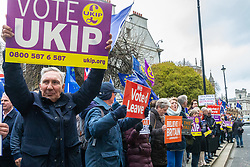 Pro-Brexit and 'Hard Brexit' protesters line the street opposite the Houses of Parliament in London as MPs debate and will later vote on the Brexit deal secured by Prime Minister Theresa May.. London, January 15 2019.