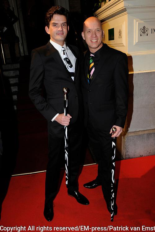 Uitreiking Beau Monde Awards in het Amstel Hotel, Amsterdam.<br /> <br /> Op de foto: Maurice Wijnen en partner