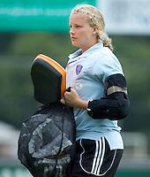 EINDHOVEN - Eerste keeper, Anne Veenendaal, zaterdag bij de oefenwedstrijd tussen het Nederlands team van Jong Oranje Dames en dat van de Vernigde Staten. Volgende week gaat het WK-21 in Duitsland van start. FOTO KOEN SUYK