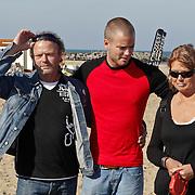 NLD/Scheveningen/20101003 - Dutchypuppy Doggywalk 2010, Jim Bakkum met zijn ouders