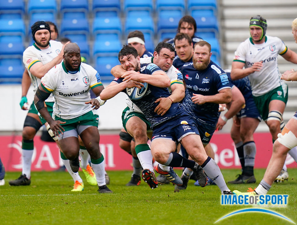 Sale Sharks flanker Cameron Neild breaks past London Irish Hooker Agustín Creevy during a Gallagher Premiership Round 14 Rugby Union match, Sunday, Mar 21, 2021, in Eccles, United Kingdom. (Steve Flynn/Image of Sport)