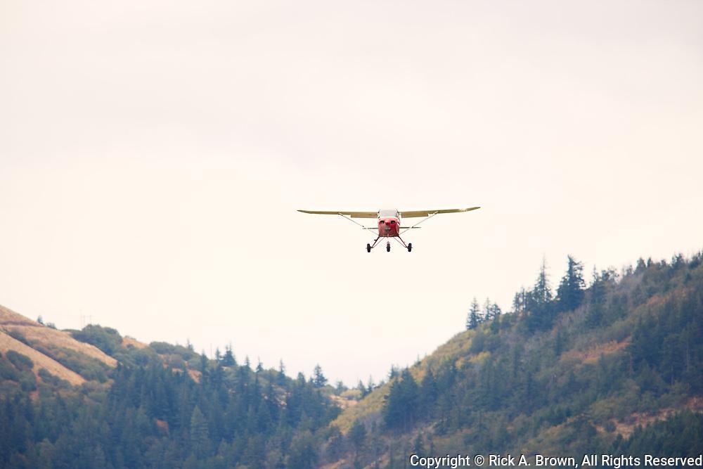 Piper Tri-Pacer arriving at Ken Jernstedt Airfield.
