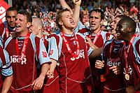 Photo: Steve Bond.<br />Scunthorpe United v Carlisle United. Coca Cola League 1. 05/05/2007.Scunthorpe United acelebrate on the pitch