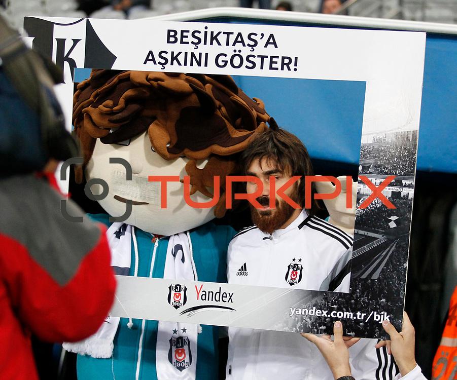 Besiktas's Veli Kavlak during their Turkish superleague soccer match Besiktas between Fenerbahce at Ataturk Olimpiyat Stadium in Istanbul Turkey on Sunday 02 November 2014. Photo by Aykut AKICI/TURKPIX