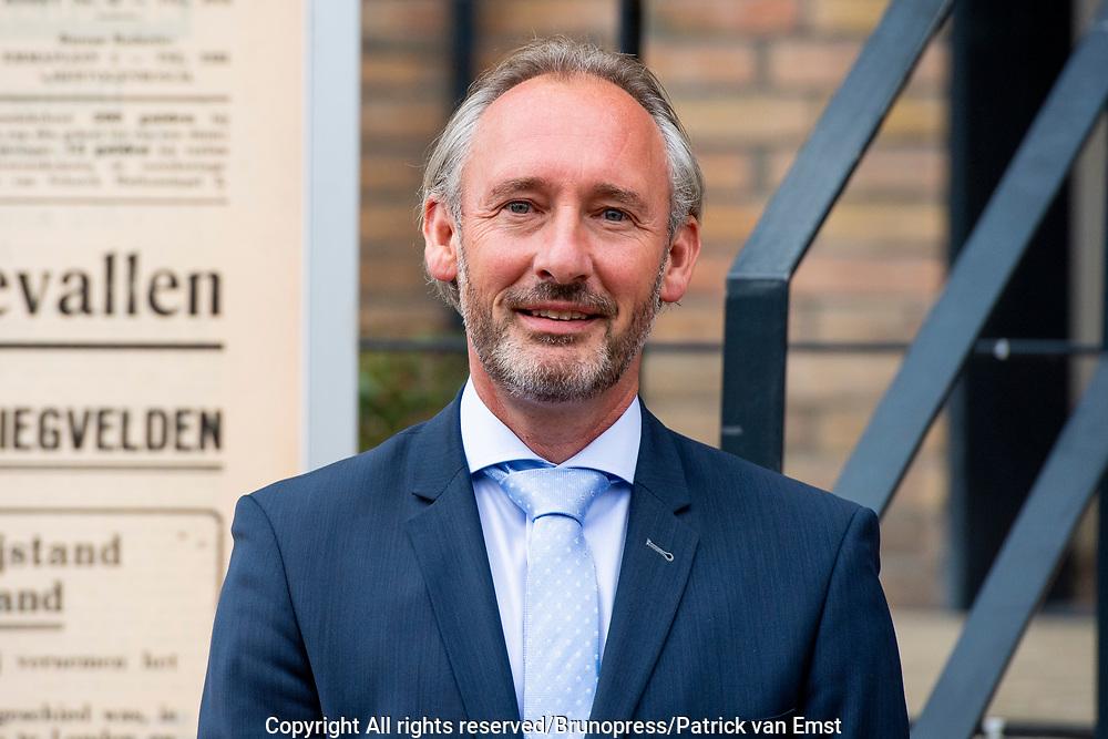 's-Hertogenbosch, 13-07-2021, Brabants Dagblad<br /> <br /> Koning tijdens een werkbezoek aan de redactie van het Brabants Dagblad in 's-Hertogenbosch ter gelegenheid van het 250-jarig bestaan van de krant.<br /> FOTO: Brunopress/Patrick van Emst<br /> <br /> op de foto:  Hoofdredacteur Brabants Dagblad Lucas van Houtert <br /> <br /> Koning during a working visit to the editors of the Brabants Dagblad in 's-Hertogenbosch on the occasion of the 250th anniversary of the newspaper. Hoofdredacteur Brabants Dagblad Lucas van Houtert