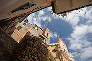 Liguria, Cervo: La chiesa parrocchiale di San Giovanni Battista nel centro storico.